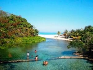 Playa Los Patos, en Barahona, un hermoso lugar del sur del país.