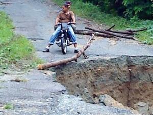 Carretera deteriorada.