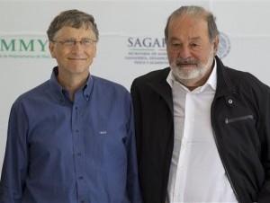 El presidente de Microsoft Bill Gates y el magnate mexicano de las telecomunicaciones Carlos Slim.
