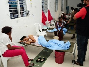 Afectados de cólera en Hospital Juan Pablo Pina de San Cristóbal.