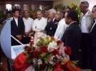 Danilo Medina en velatorio del padre de  Radhamés Camacho.