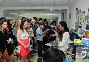 Visita de estudiantes universitarios de USA a Multimedios el Caribe.