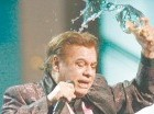 A lo largo de su carrera, Juan Gabriel ha vendido más de 100 millones de discos.