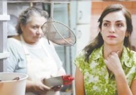 """Las actrices Rita Cortese, a la izquierda, y Julieta Zylberberg en una escena de """"Relatos salvajes"""". (AP)"""