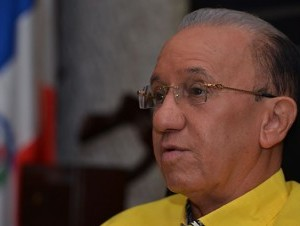 Amable Aristy Castro formaría el Partido Reformista Auténtico (PRA).