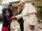 El papa Fancisco recibe a miembros del Instituto Pontificio de Estudios Arabes e Islámicos en el Vaticano el sábado 24 de enero del 2015. El pontífice afirmó que el antídoto a la violencia entre cristianos y musulmanes consiste en aprender unos de ot