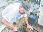 En Villa Francisca ya es un hábito buscar el agua en cisterna pública.