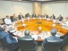 Manuel Alejandro Grullón comparte con ejecutivos  de diferentes medios de comunicación del país, durante un almuerzo.