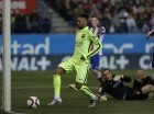 Neymar al anotar un gol para el Barcelona en la semifinal de la Copa del Rey.