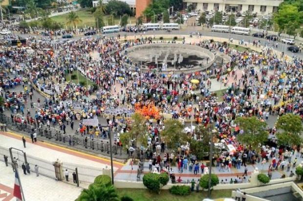 El pueblo manda: Danilo cuatro más